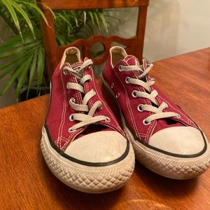 CONVERSE Burgundy Low Top